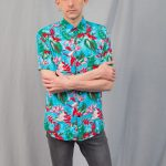 Hawaiian shirt printed with turquoise and red colors