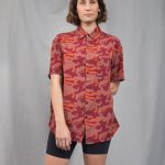 Women's shirt printed in red and orange